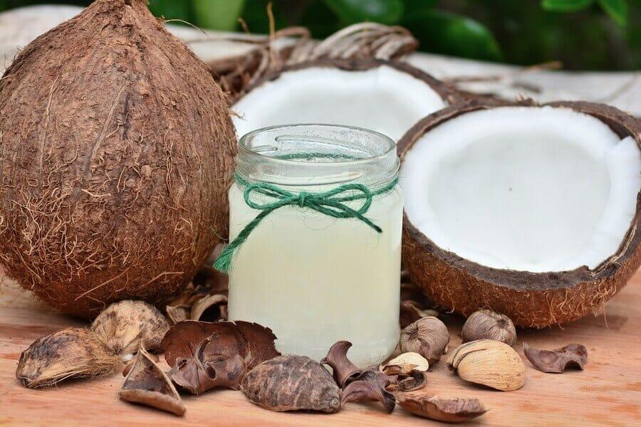 olej kokosowy w kosmetyce, olej kokosowy na twarz, olej kokosowy na ciało, właściwości i zastosowanie, www.praktycznyblog.pl