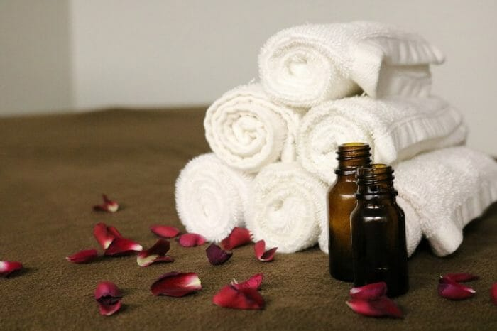 Olej jojoba, właściwości i zastosowanie - olej jojoba na twarz i ciało