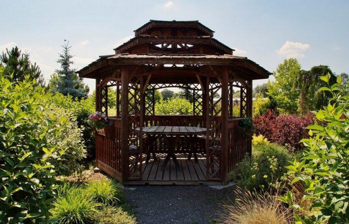 rodzaje-altan-ogrodowych